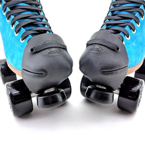toe-snouts-on-skates-300